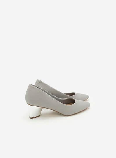 Giày Bít Gót Vuông BMN 0272 - Màu Xám Nhạt - VASCARA