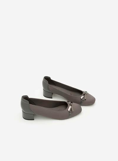 Giày Bít Gót Vuông BMT 0451 - Màu Xám - VASCARA