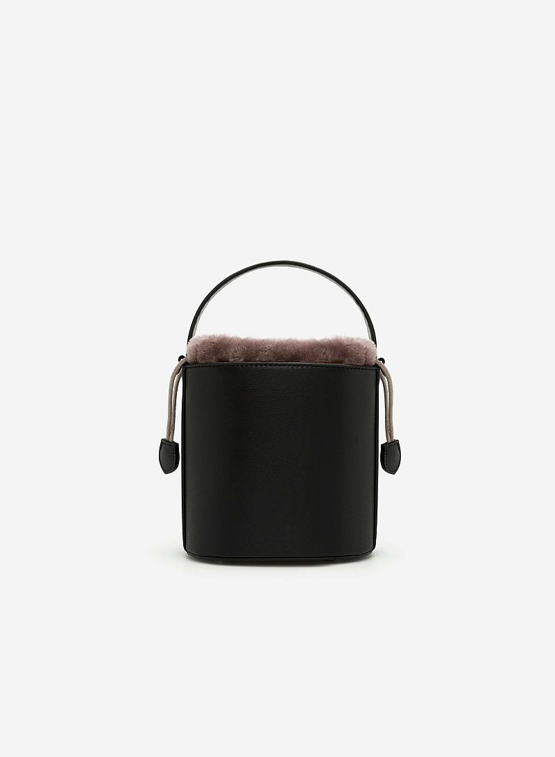 Bucket Bag viền lông - SAT 0215 - Màu Đen - vascara