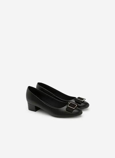 Giày Bít Mũi Đính Khóa - BMN 0315 - Màu Đen - vascara
