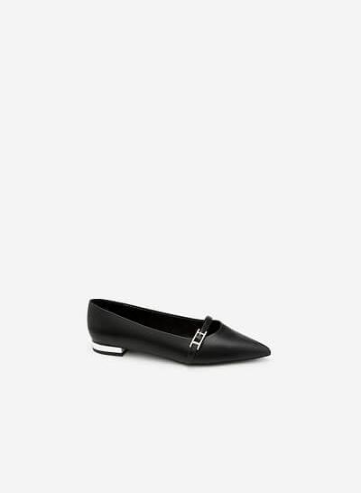 Giày Bít Mũi Trang Trí Khóa Cài - BMN 0318 - Màu Đen - vascara.com