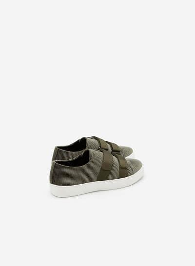 Giày sneaker nhung 2 khóa gài - SNK 0013 - Màu Xanh Rêu - VASCARA