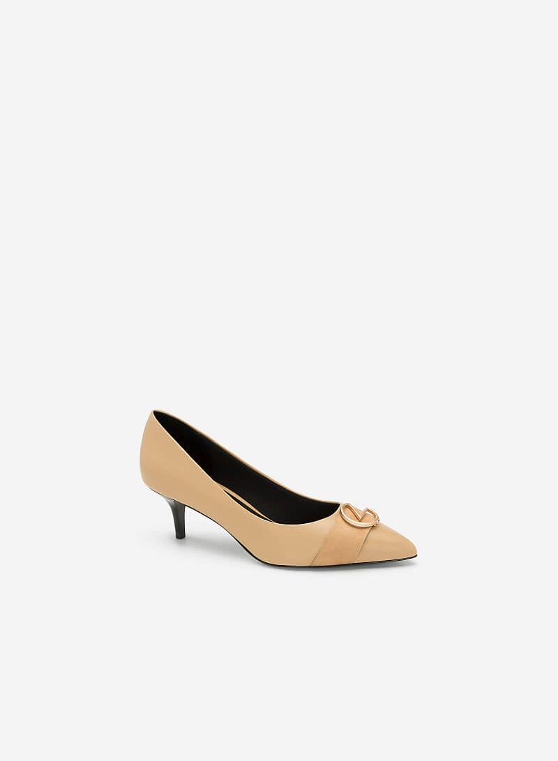 Giày Bít Mũi Gót Nhọn Phối Khóa Trang Trí - BMN 0356 - Màu Be - VASCARA