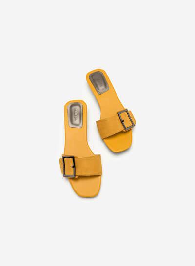 Dép Quai Ngang Phối Khóa DXP 0135 - Màu Vàng - VASCARA