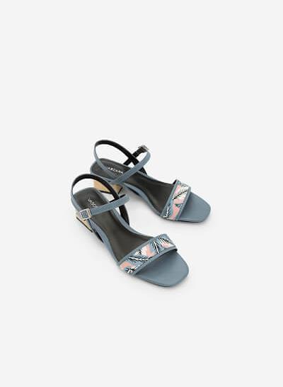 Giày Sandal Họa Tiết Nhiệt Đới - SDN 0633 - Màu Xanh Da Trời - VASCARA