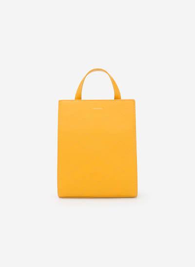Xem sản phẩm Balo Mini Dáng Chữ Nhật Nhấn Chỉ Nổi Hình Học - BAC 0107 - Màu Vàng Đậm
