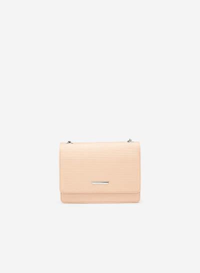 Túi Đeo Chéo Vân Nổi Kẻ Ô - SHO 0147 - Màu Hồng Nhạt