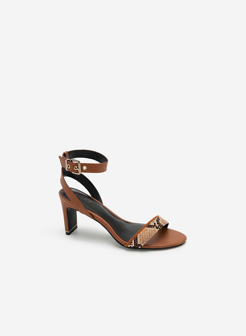 Giày Sandal Đế Dẹt Ankle Strap Vân Da Rắn - SDN 0674 - Màu Nâu - vascara.com