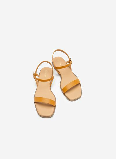 Giày Sandal Phối Khóa Tròn - SDK 0311 - Màu Vàng - VASCARA