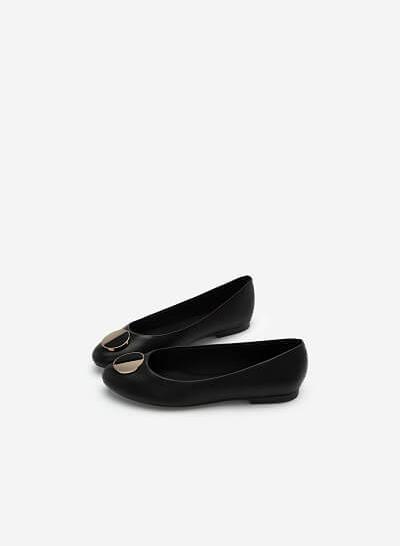 Giày Búp Bê Phối Khóa Cài Hình Tròn Nhấn Metallic - GBB 0419 - Màu Đen - VASCARA