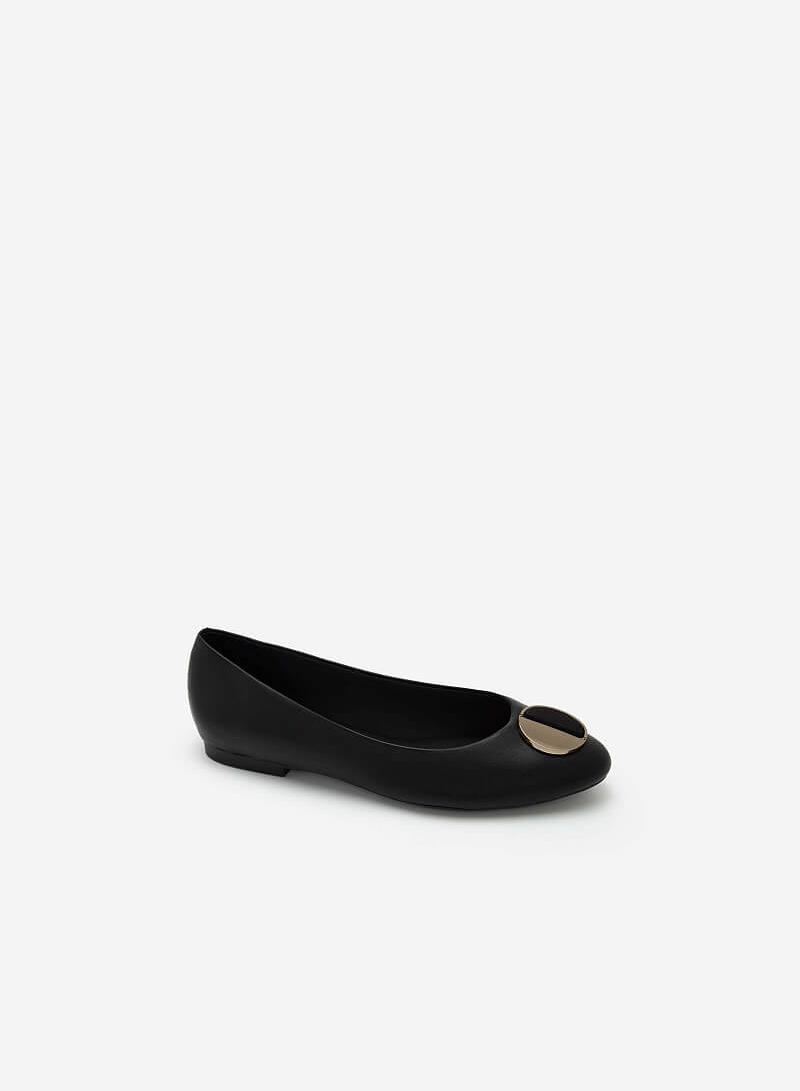 Giày Búp Bê Phối Khóa Cài Hình Tròn Nhấn Metallic - GBB 0419 - Màu Đen - vascara.com