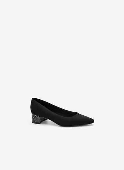 Giày Bít Gót Trụ Trang Trí Vân Da Rắn - BMN 0461 - Màu Đen