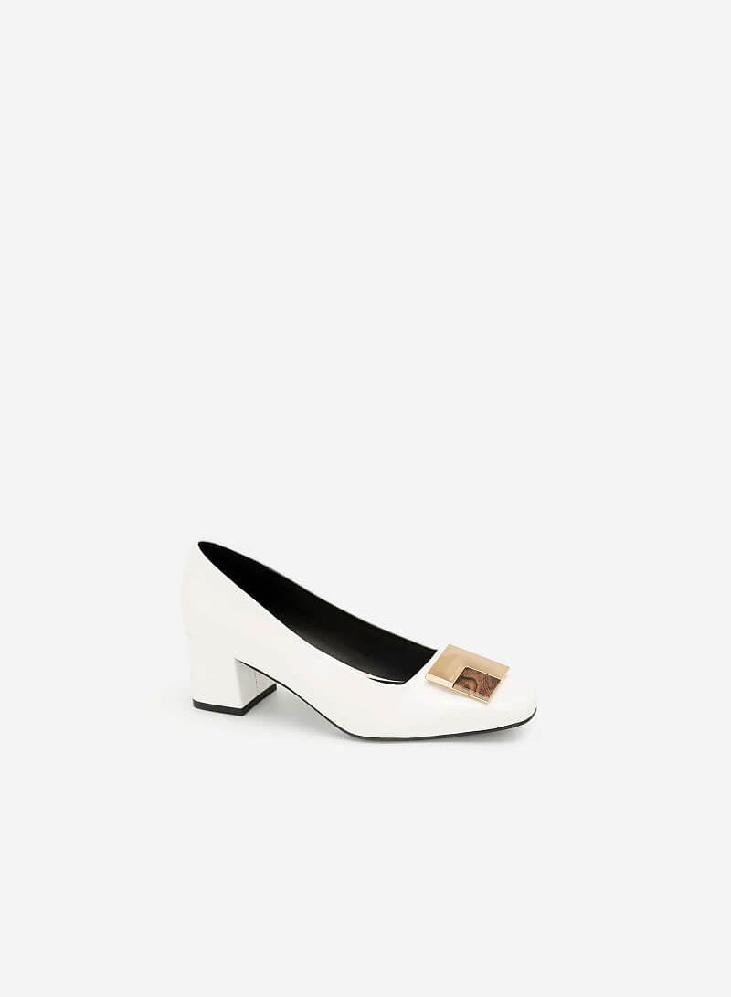 Giày Bít Trang Trí Kim Loại Phối Mộc - BMN 0400 - Màu Trắng - VASCARA