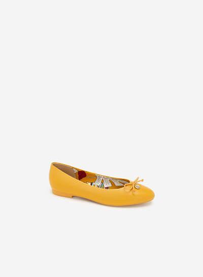 Giày Búp Bê Đính Nơ Phối Họa Tiết Nhiệt Đới - GBB 0417 - Màu Vàng - vascara.com