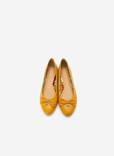 Giày Búp Bê Đính Nơ Phối Họa Tiết Nhiệt Đới - GBB 0417 - Màu Vàng - VASCARA