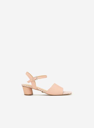 Giày Sandal Quai Ngang Lót Họa Tiết Caro - SDN 0650 - Màu Hồng - VASCARA
