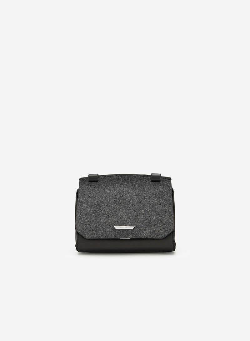 Túi Đeo Chéo Phối Nỉ - SHO 0150 - Màu Đen - VASCARA