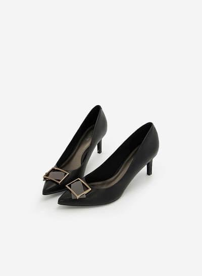 Giày Cao Gót Mũi Nhọn Đính Khóa Kim Loại - BMN 0437 - Màu Đen - VASCARA