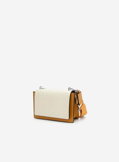 Túi Hộp Phối Nắp Trắng Dây Fabric - SHO 0173 - Màu Vàng Đậm - VASCARA