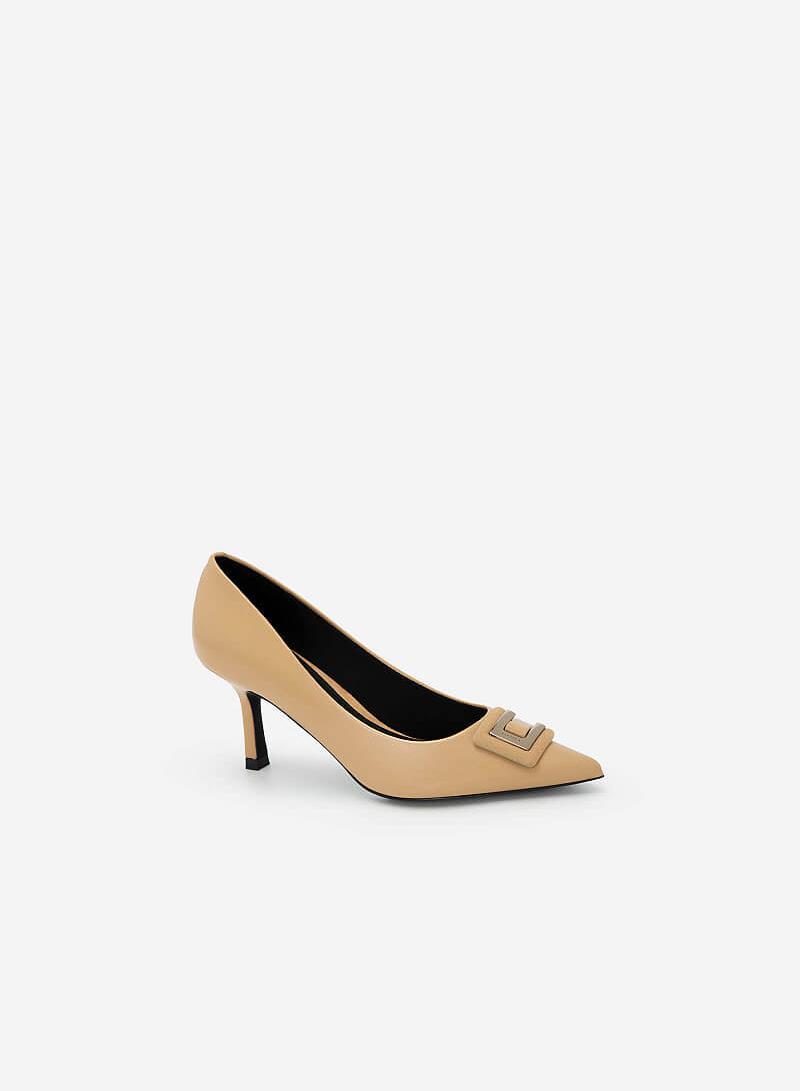 Giày Bít Mũi Nhọn Đính Khóa Layer - BMN 0452 - Màu Be - vascara.com