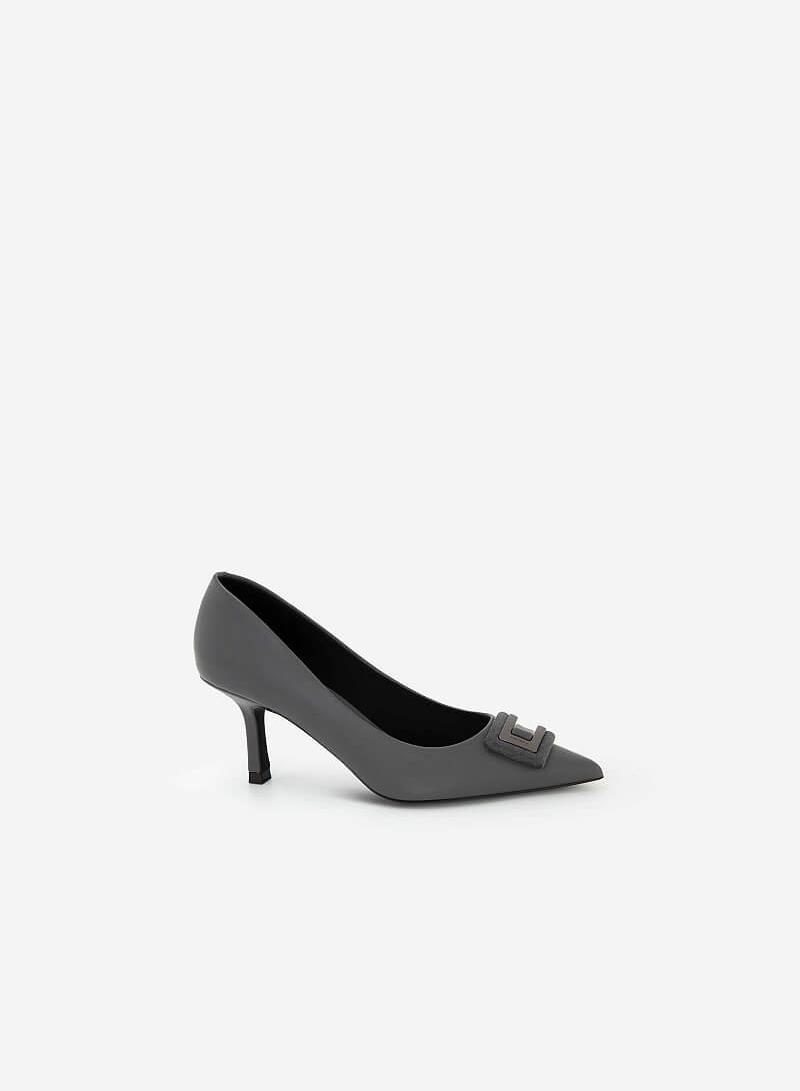 Giày Bít Mũi Nhọn Đính Khóa Layer - BMN 0452 - Màu Xám - vascara.com