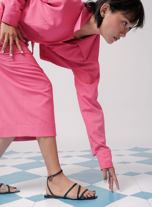 Giày Sandal Ankle Đế Bệt Mũi Vuông Vân Da Kỳ Đà - SDK 0317 - Màu Đen