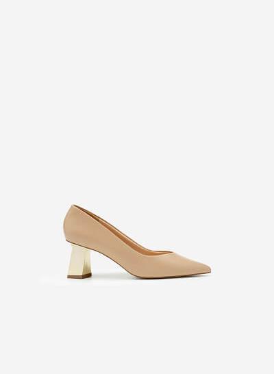 Giày Bít Mũi Nhọn Gót Đa Giác Metallic - BMN 0478 - Màu Be