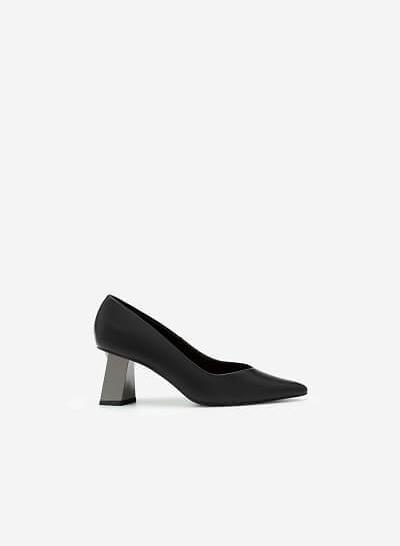 Giày Bít Mũi Nhọn Gót Đa Giác Metallic - BMN 0478 - Màu Đen