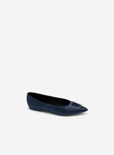 Giày Mũi Nhọn Satin Trang Trí Khóa Cài Trapezium - GBB 0420 - Màu Xanh Navy
